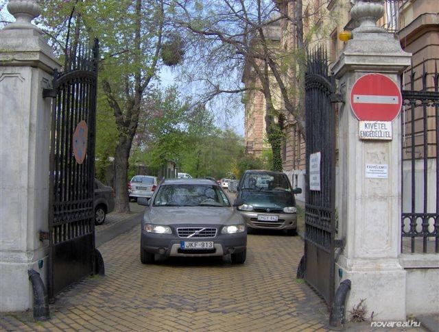 Budapest Kiadó garzon lakás Népligetnél Kocsibejárat