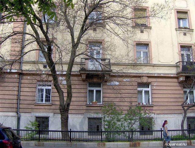 Budapest Kiadó garzon lakás Népligetnél - utcafront