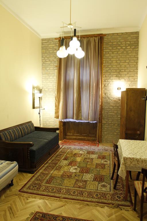 Körúti Apartmanok Budapest Szállás 1-4 Személy Részére 2-es lakás, nappali