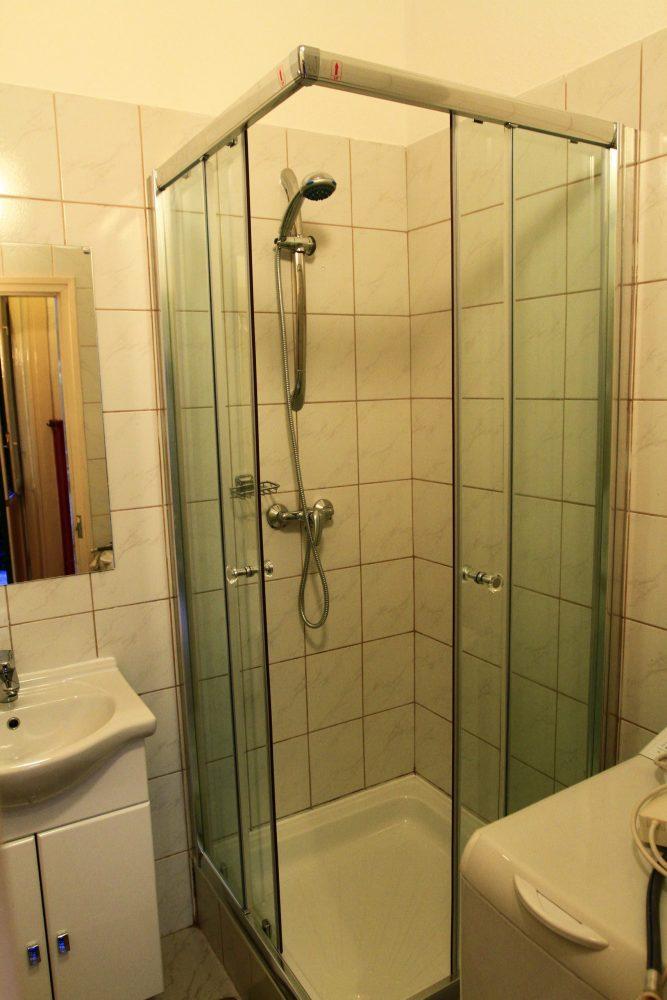 Körúti Apartmanok Budapest Szállás 1-4 Személy Részére, fürdőszoba
