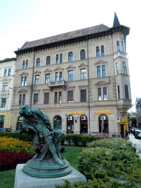 Szállás Budapesten József Kőrút Főhomlokzat - Park