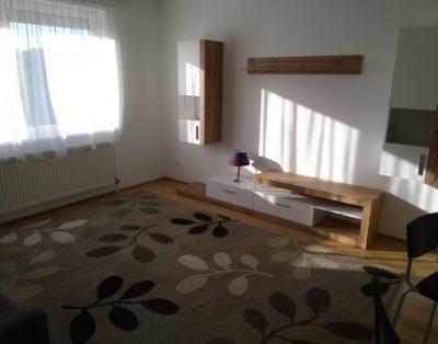 Kiadó lakás XV. kerületben a Szilas Parkban, előszoba, szoba